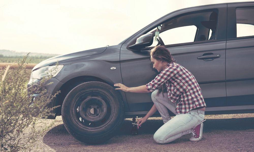 Easy and Safe Steps to Take When You Have a Flat Tire